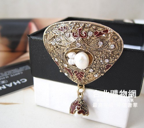 Chanel 香奈兒 2012官方網新款胸針 chanel飾品系列