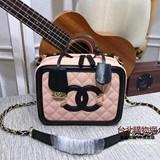 chanel 2019 女款手提包,chanel女生斜背包,chanel女款手袋!,點閱次數:25