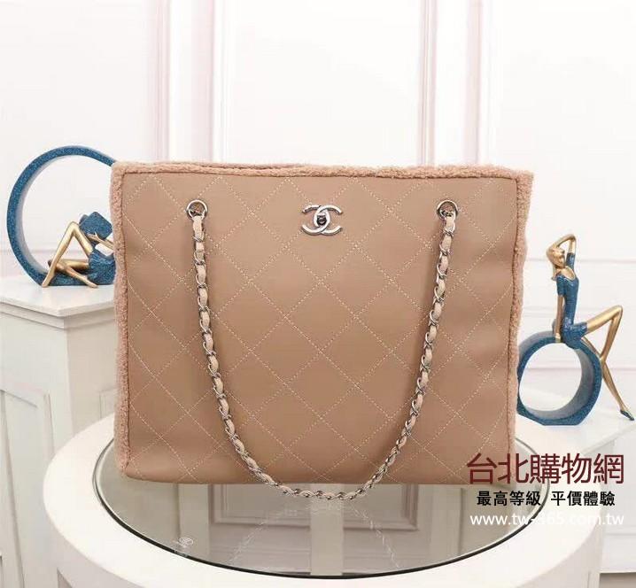 chanel 2019 女款手提包,chanel女生斜背包,chanel女款手袋!