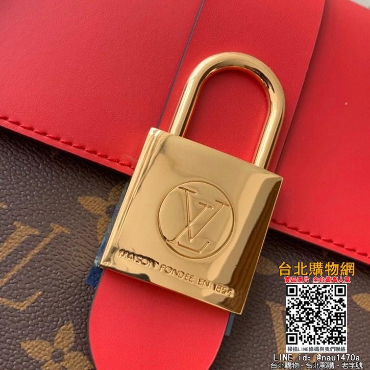 芯片感應NFC版本這款小巧而有型的Locky BB手袋采用Monogram帆布和牛皮材質,