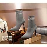 miumiu 2018 官網,miumiu 官方網站,miumiu 特賣會,上架日期:2018-08-25 13:59:47