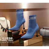 miumiu 2018 官網,miumiu 官方網站,miumiu 特賣會,上架日期:2018-08-25 13:59:48