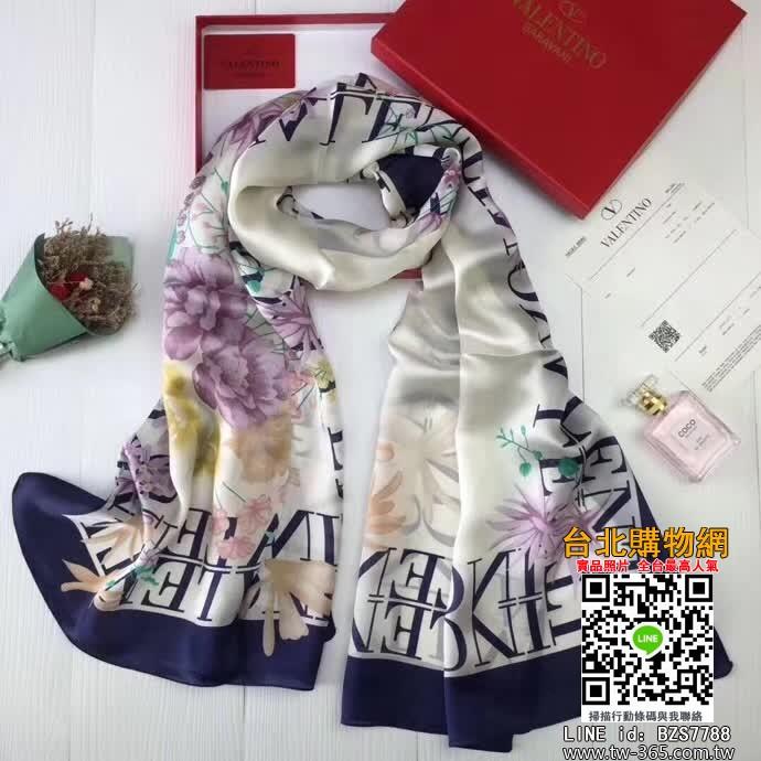 valentino 圍巾,valentino 絲巾,valentino 羊絨圍巾!